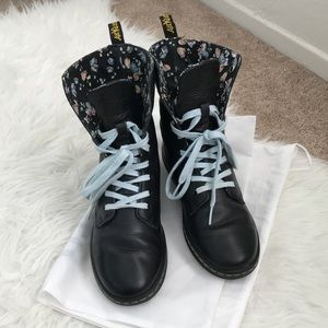 Dr Martens Airwair Black Leather Stratford Boots